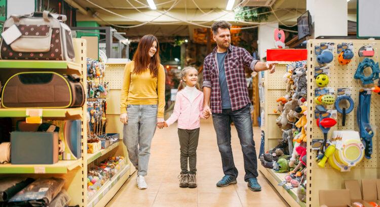 família no pet shop